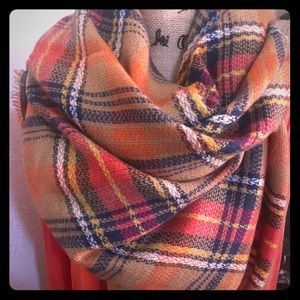‼️💯 Blanket scarves are so on trend!